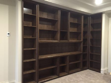 American Walnut Veneer Build-in Wardrobe