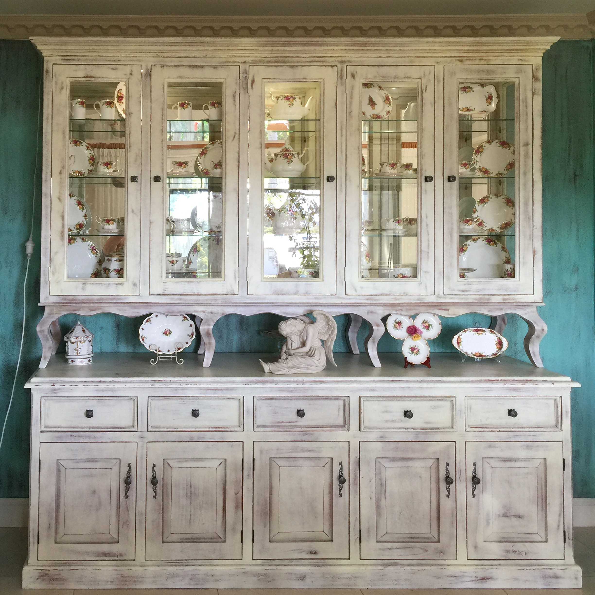 Rustic Oak Timber Buffet & Hutch